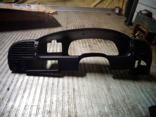 ZAFIRA A GSI DASH SPEEDO / RADIO SURROUND